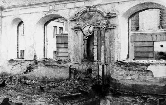 The destroyed interior of the Gaon's Kloyz prior to demolition in the 1950s.